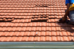 Roof tile removal & replacement
